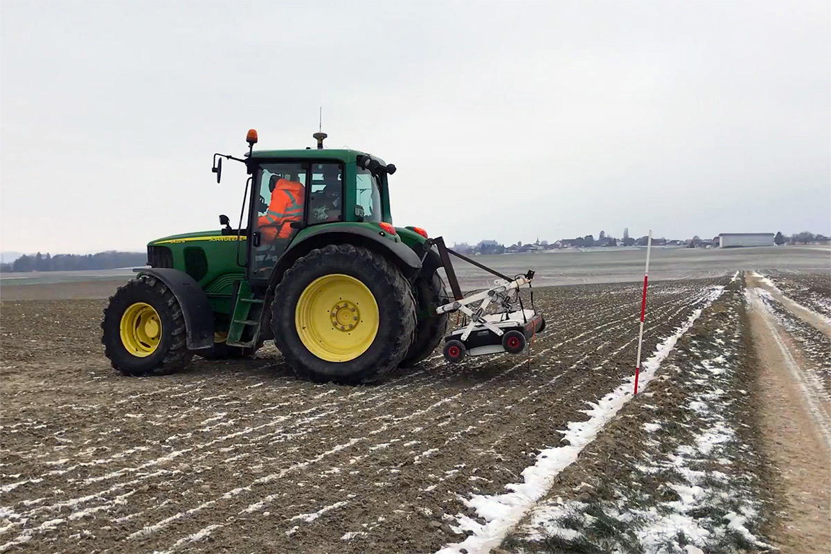 Multi Channel GPR Equipment Towed By A Tractor For Large Area Survey. A Project With GEO2XX And Geostudi Astier.