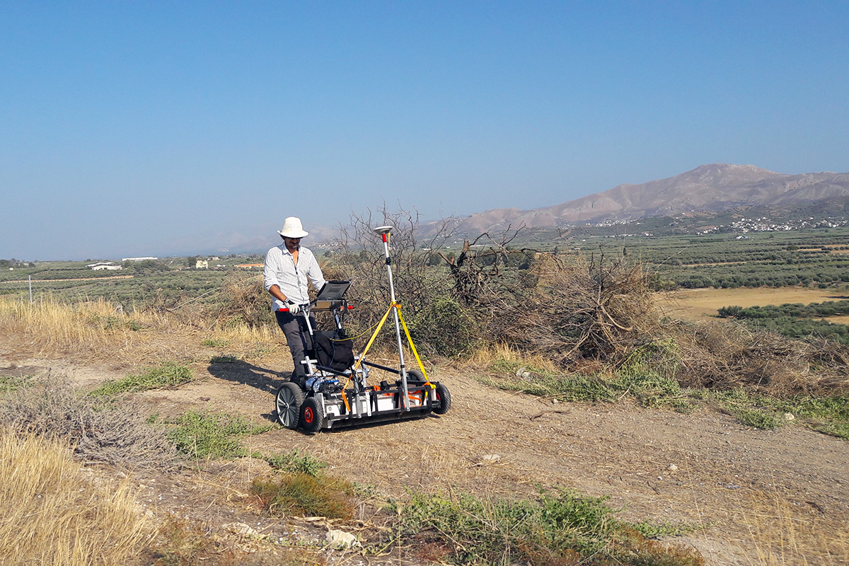 Muli Channel Survey In The Area Of Phaistos Palace (Crete, Grece). A Project With University Of Salerno (Italy).